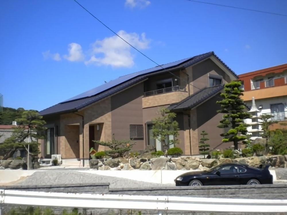木のぬくもりを肌で感じさせる檜張りの家