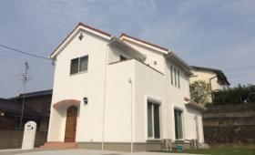 可愛い漆喰の家